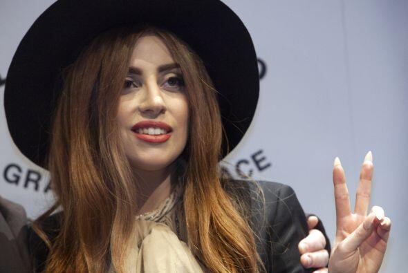 No una, ni dos sino seis veces han sido las que Lady Gaga ha sido hospit...