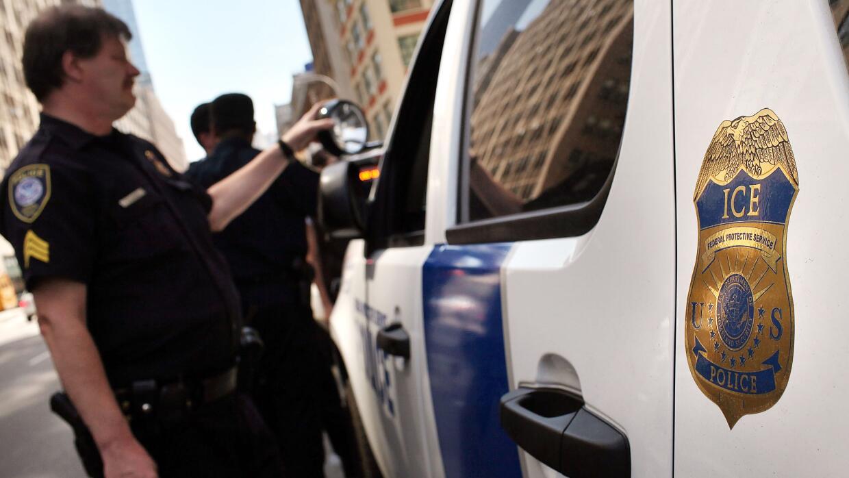 Agentes federales de ICE