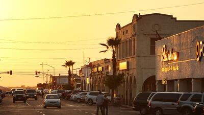 15- El Centro, California Town of El Centro Lucha con la Tasa de Desempl...