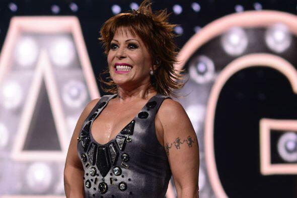 Durante el estreno, cantó uno de sus nuevos hits.
