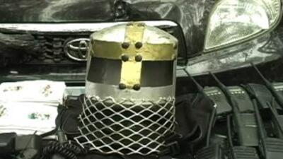 El ejército decomisó cascos del grupo criminal de 'Los Caballeros Templa...