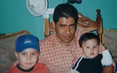 Carlos Tovar, en El Salvador, antes de ser atacado en la frontera entre...