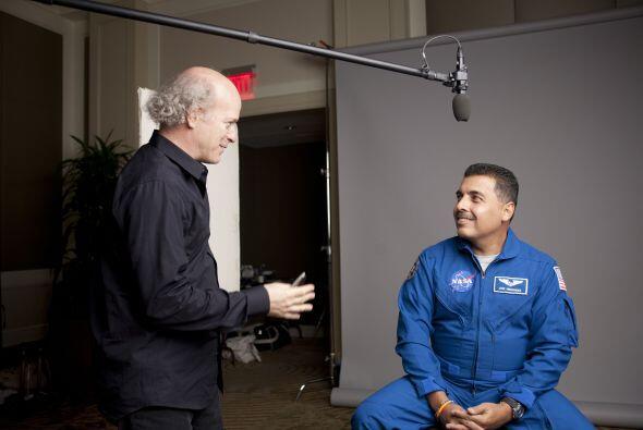 José Hernández: Astronauta de la NASA de origen mexicano.