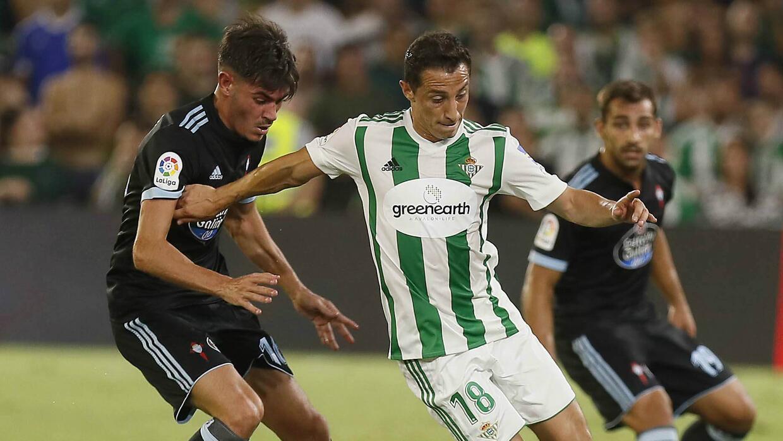 Andrés Guardado ante el Celta de Vigo