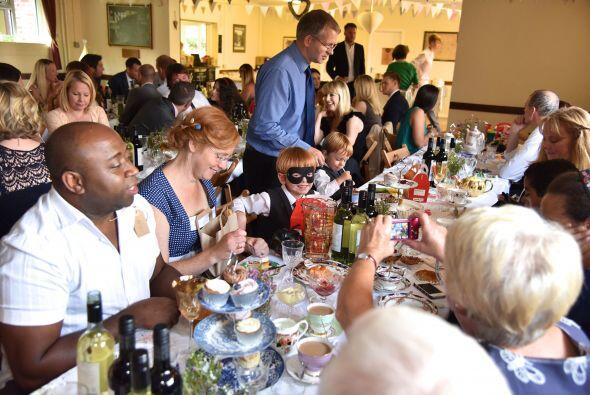 Al parecer todos invitados pasaron se divirtieron toda la tarde sin que...