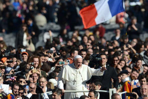 La ceremonia fue retransmitida por la Radio Vaticana, el Centro Televisi...