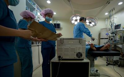 Autoridades sanitarias alertan de la peligrosidad del 'lipoturismo' en c...
