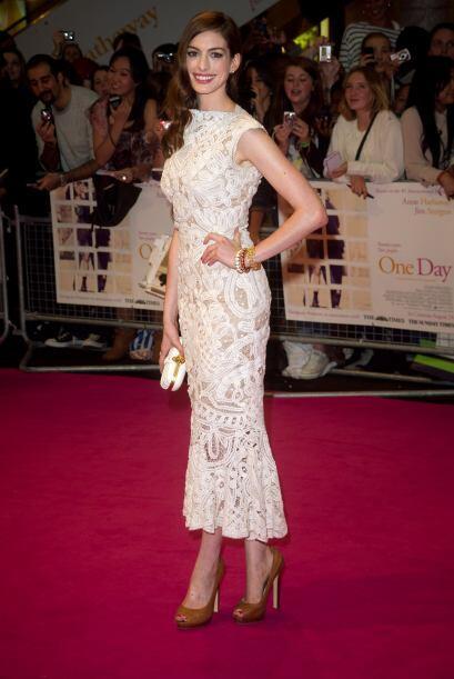 Alexander McQueen supo cómo vestir a una verdadera reina de las alfombra...