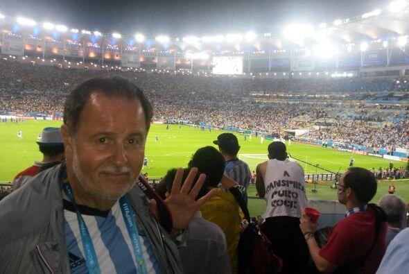 Raúl se la pasó 'bomba' en el estadio, disfrutando de un partido muy reñ...