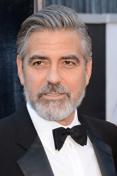 George Clooney se vuelve todavía más interesante cuando se deja la barba.