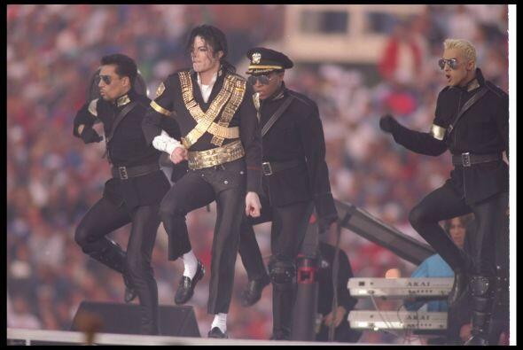 Michael se presentó en el Super Bowl XXVII.