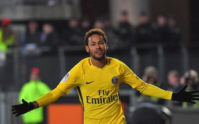 Neymar marcó dos goles ante el Rennes.