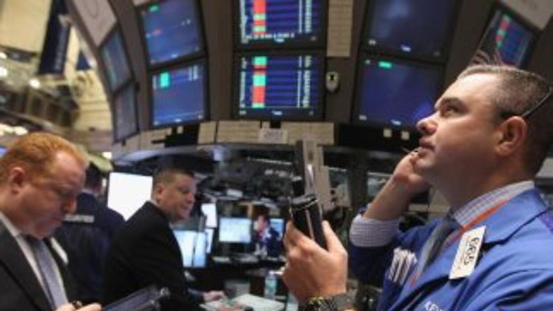 Wall Street sufre por los temores por una nueva recesión en Estados Unidos.