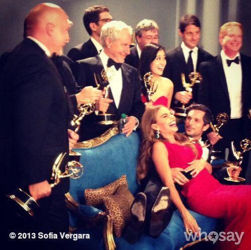 Sofía, encima de uno de los productores. Mira aquí lo último en chismes.