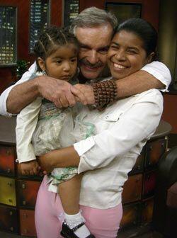 Conocido cariñosamente como papá Jaime, ha rescatado a los niños que viv...