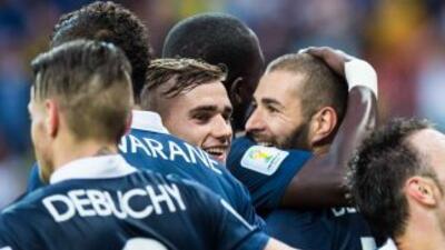 Jugadores de la selección de Francia celebran un gol en el Mundial Brasi...