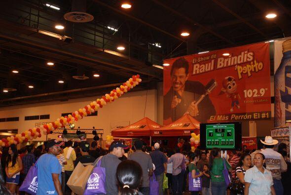 En el Centro Reliant de Houston se llevó a cabo el Festival de Cinco de...