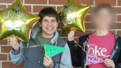 Óscar Dávila, de 19 años, falleció al lado de sus padres tras un acciden...