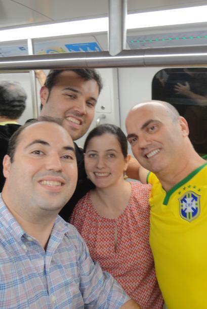 Alberto junto a su primo Sergio - que vive en Brasil. También junto a su...