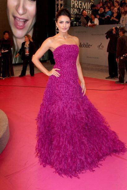 No cualquiera se puede dar el lujo de lucir un vestido con ese tipo de t...