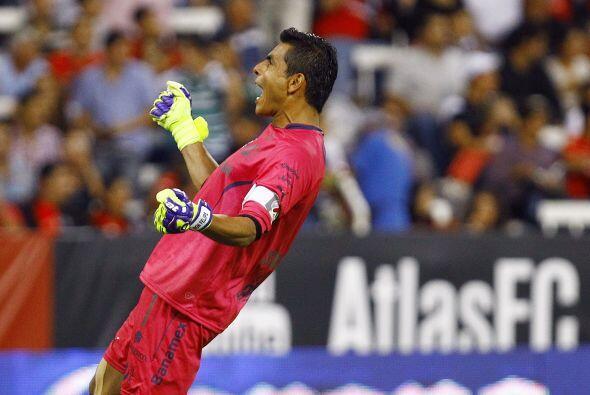 Con Chivas conoció lo que significa ser campeón en México al levantar el...