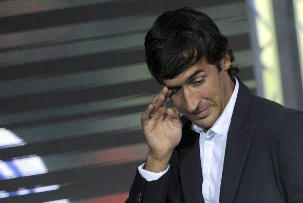 El emblemático delantero Raúl González puso fin a su etapa de 18 años co...
