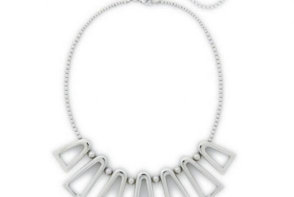 Si buscas algo más sofisticado el collar de Bar II es el indicado  por $...
