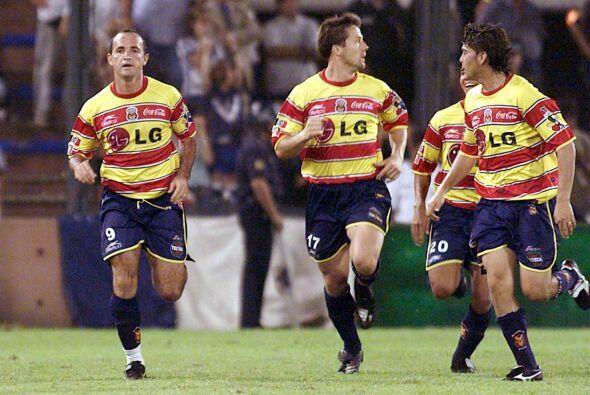 La primera ocasión que el Monarcas jugó en la Libertadores fue en el 200...