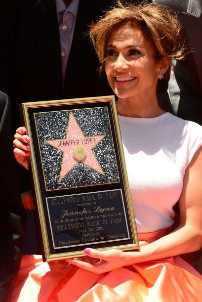 En junio 2013 su trayectoria fue reconocida en el Paseo de la Fama de Ho...