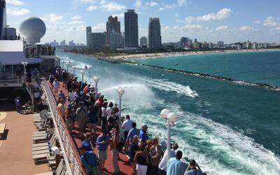 Florida despide al primer crucero en cubrir la ruta Miami-La Habana en m...