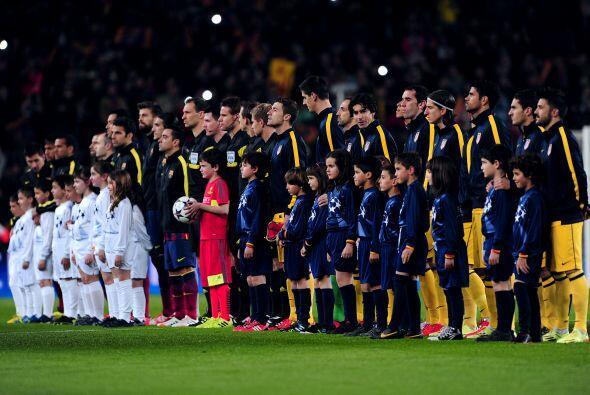 Dos de los tres equipos que pelean por el título de la Liga española se...
