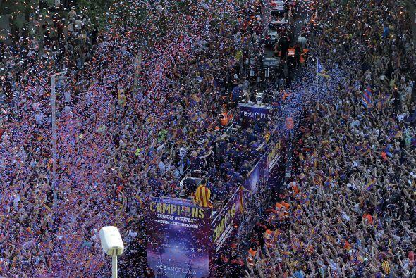 Los jugadores Blaugranas recorrieron las calles de Barcelona y despu&eac...