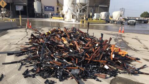 Armas decomisadas por el Sheriff y otras agencias del orden en el condad...
