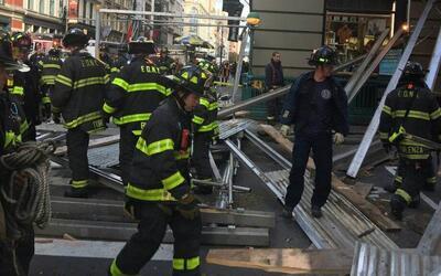 Un andamio colapsó este domingo en el SoHo y dejó a cinco...