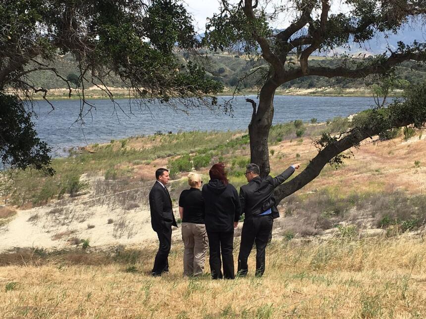 Agentes del orden buscaron al niño Aramazd Andressian Jr en el Lago Cach...