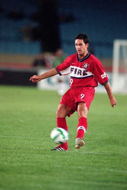 4) ANTE RAZOV - 114 GOLES | Jugó en la MLS desde 1996 hasta el 2008. La...