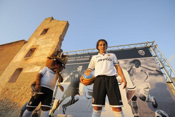 El mexicano Andrés Guardado llegó para la presente campaña de la Liga es...