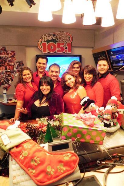 El equipo de La Que Buena 105.1 FM disfruta compartir juntos la magia de...