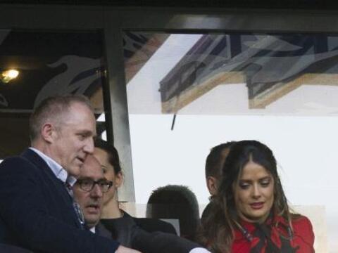 La actriz mexicana mostró su gusto por el futbol.Mira aquí...