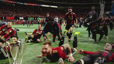 De fiesta y color se engalanó el Mercedez-Benz Stadium para recibir la final de la MLS