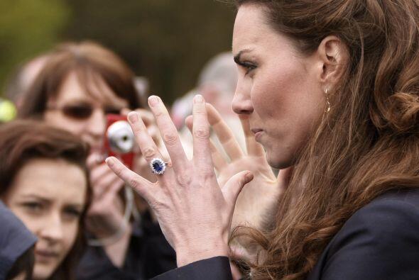 Sin embargo, ella ha pedido que ajusten el anillo para evitar que se le...