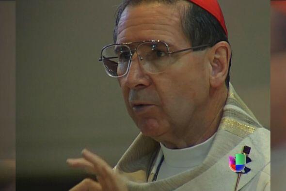 Que el Cardenal Roger Mahony no vaya al cónclave y se quede en su casa,...