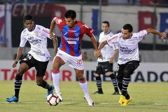 En el campo de juego Corinthians obtuvo un importante triunfo por 1-0 an...