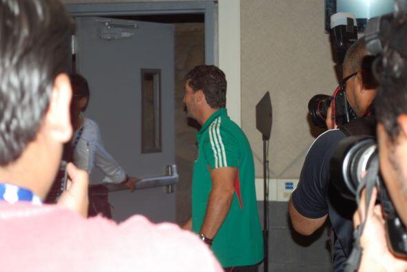 Al termino de esto, partió junto con sus jugadores. México se reporta li...