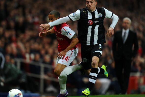 El primer gol del juego llegó al minuto 14 tras una gran definición del...