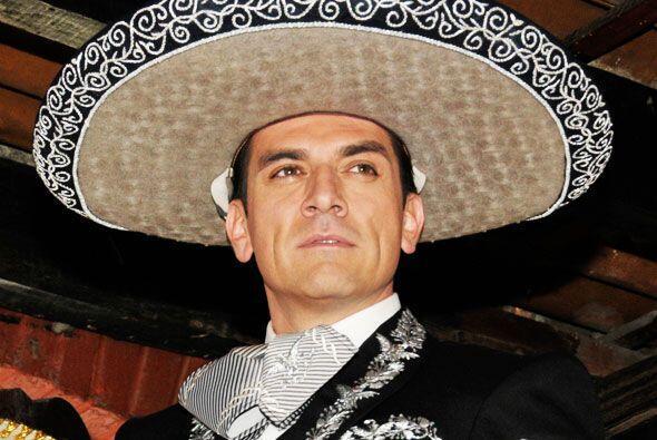 Jorge Salinas es un mariachi que no se raja y pronto llegará a Univision...