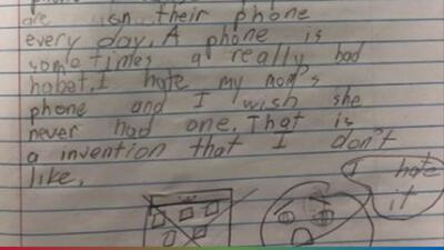 Madre abandona a su hijo por su celular y este le responde con una increíble carta
