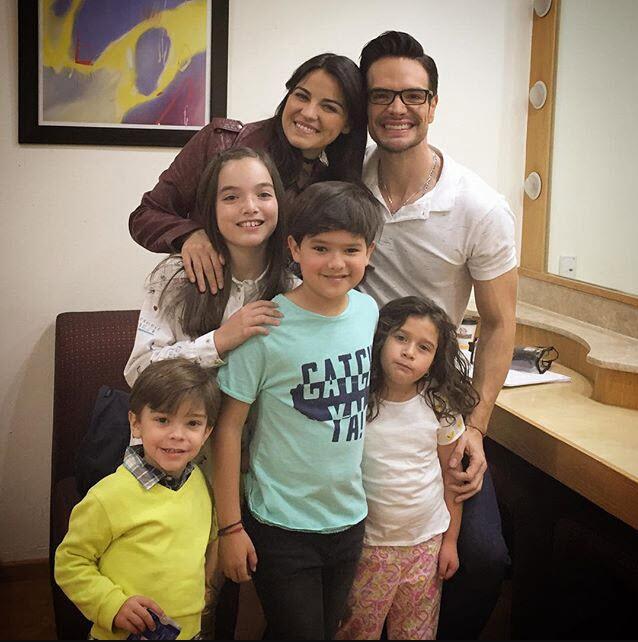 Maite Perroni y Andrés Zuno 'Papá a toda madre'
