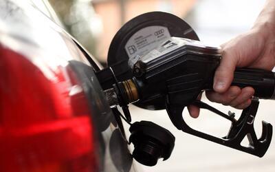 A partir del 4 de julio bajarán los precios de la gasolina en el país