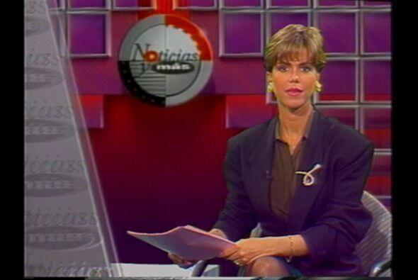 """Maria Celeste presentando """"Noticias y Más"""" el programa que estuvo al air..."""